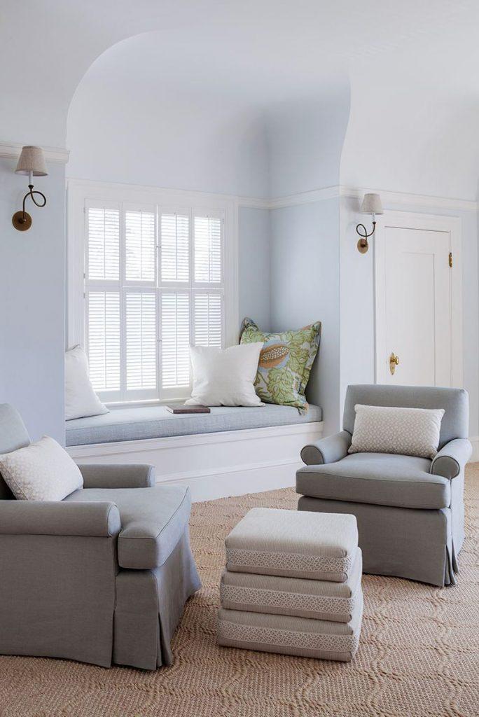 Classic windows decor idea