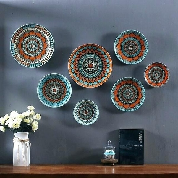 Hang Plates interior decorating