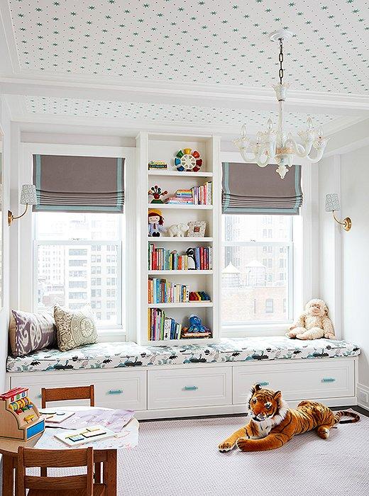 Horizontal bookshelf