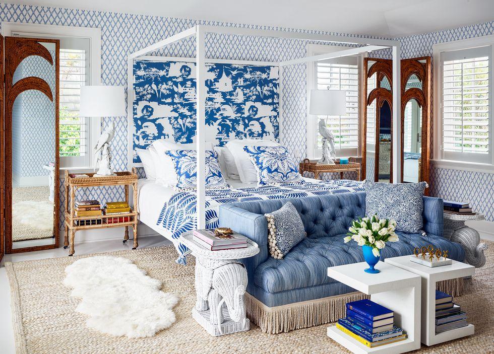 Monochromatic wallpaper bedroom